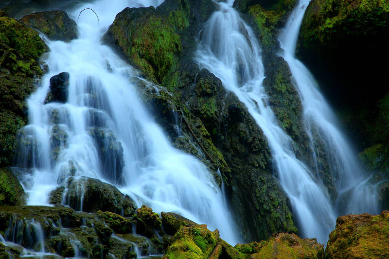 Печать на холсте Водопад