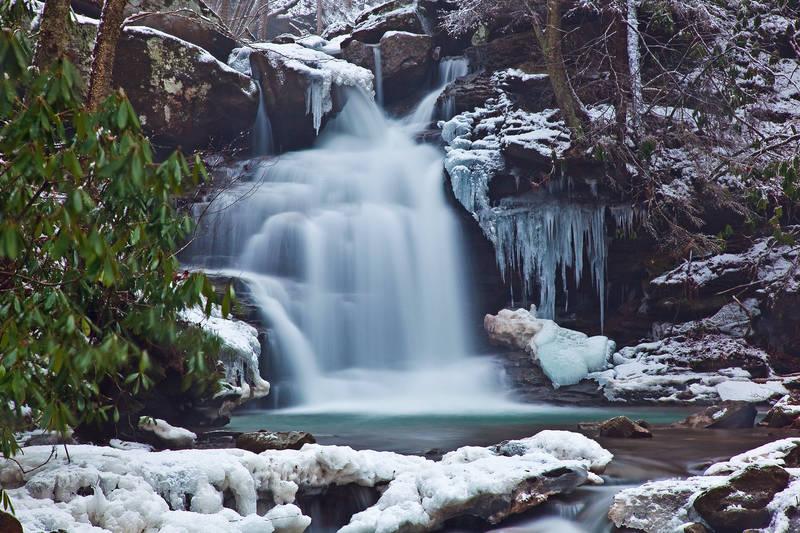 Печать на холсте Водопад зимой