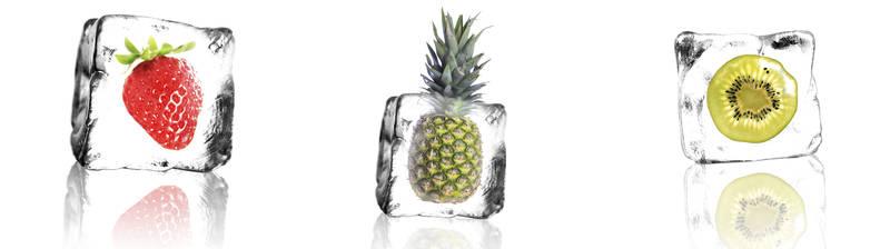 Фрукты в кубиках льда