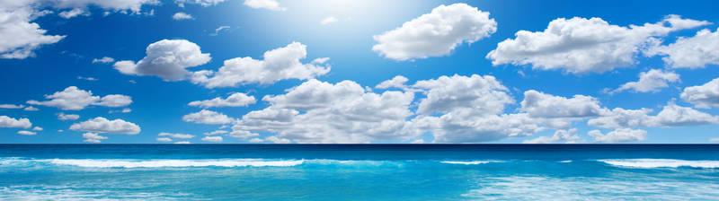 Облака над морем